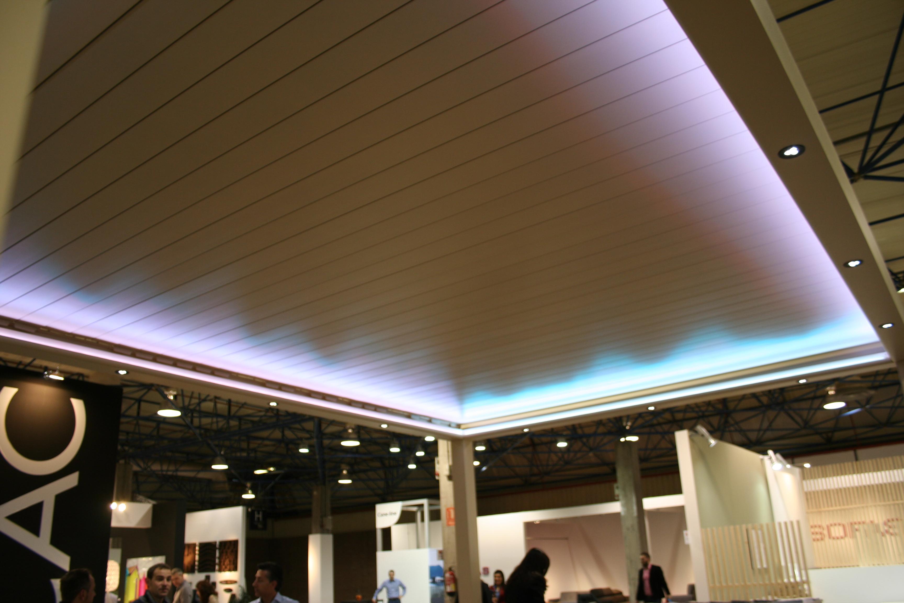techo móvil de lama de aluminio.
